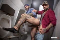 Sexy-hairy-muscle-stud-Markus-Kage-tight-man-hole-bare-fucked-Ryan-Bones-huge-dick-Men-002-gay-porn-pics